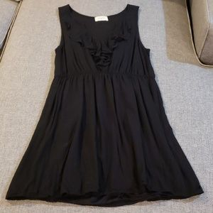 Casual Black Dress with Ruffle Detail